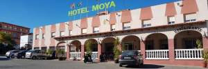 Camino de Santiago Accommodation: Hotel Moya ⭑