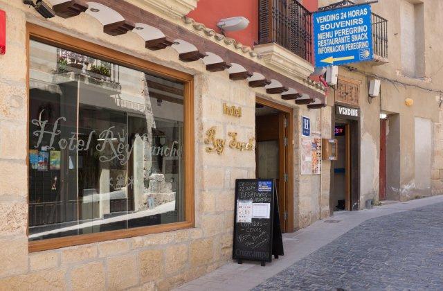 Camino de Santiago Accommodation: Hotel Rey Sancho ⭑⭑⭑