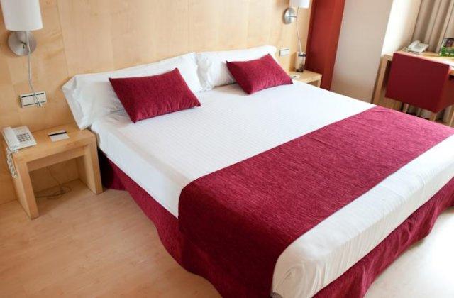 Camino de Santiago Accommodation: Hotel Sercotel Portales ⭑⭑⭑
