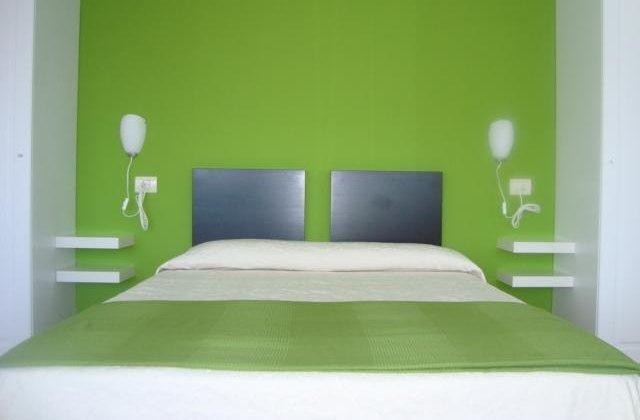 Camino de Santiago Accommodation: Hotel Praia de Quenxe ⭑