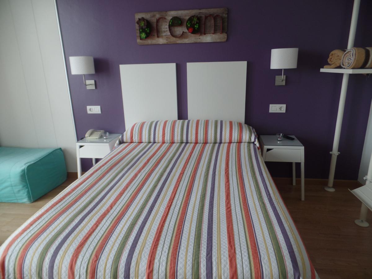 Camino de Santiago Accommodation: Hostal Mariquito