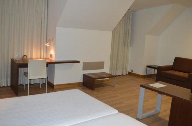 Camino de Santiago Accommodation: Hotel Odeón ⭑⭑⭑⭑