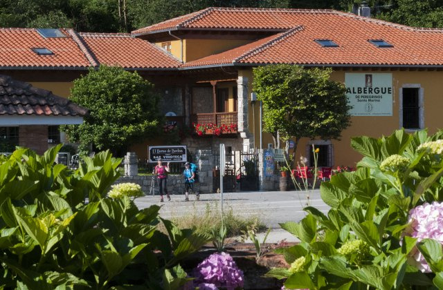 Camino de Santiago Accommodation: Albergue de peregrinos Santa Marina
