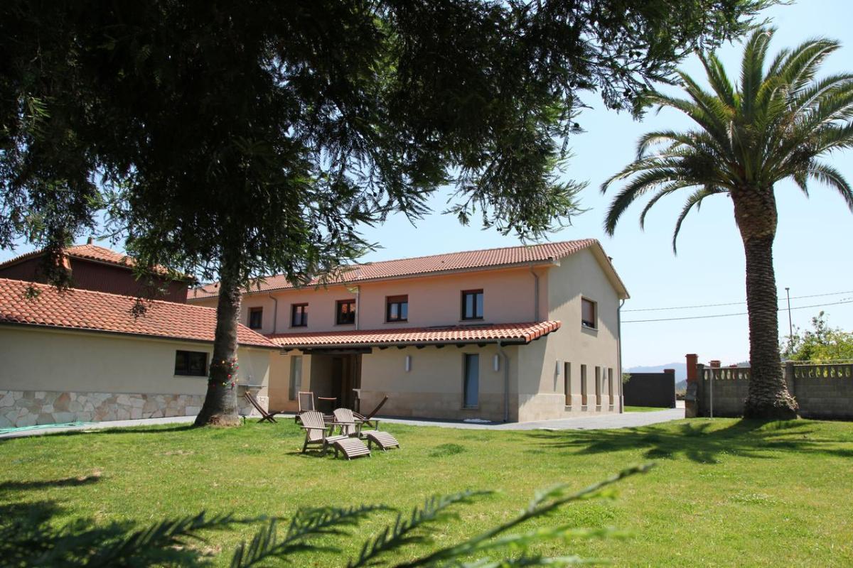Camino de Santiago Accommodation: Albergue Turístico Casa Carmina