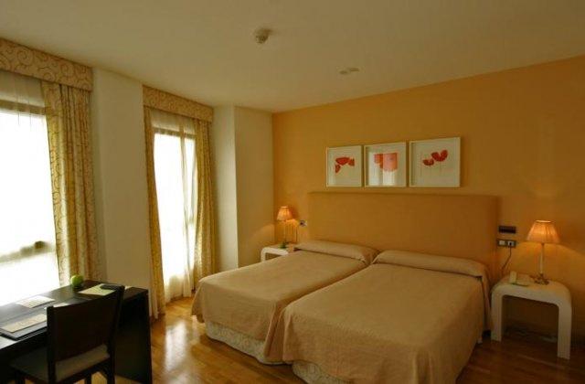 Camino de Santiago Accommodation: Hotel Bouza ⭑⭑