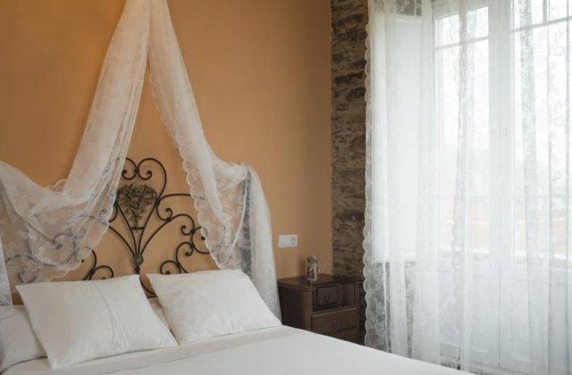 Camino de Santiago Accommodation: Casa Rural Villa Auristela ⭑⭑