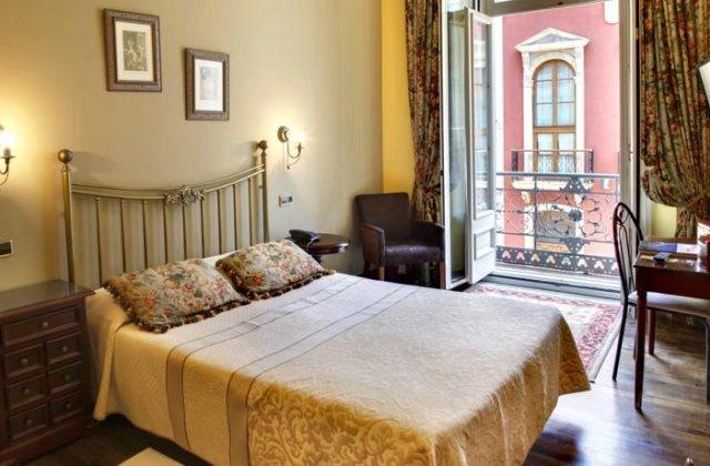 Camino de Santiago Accommodation: Hotel Villa de Luarca ⭑⭑⭑