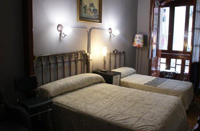 Camino de Santiago Accommodation: Pensión La Fruta ⭑⭑