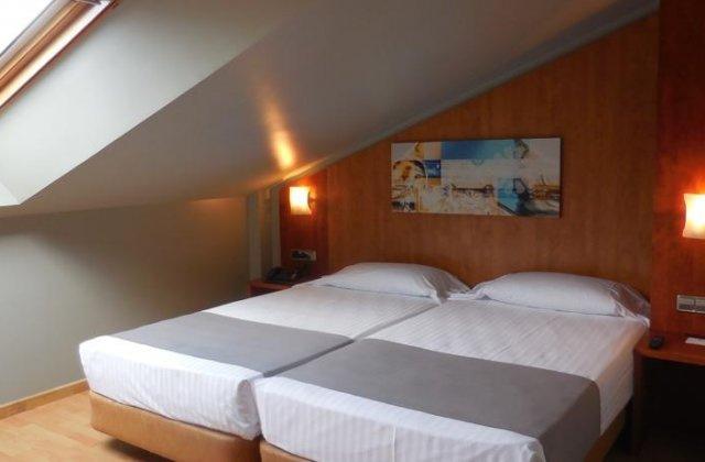 Camino de Santiago Accommodation: Hotel Palacio Valdés ⭑⭑⭑