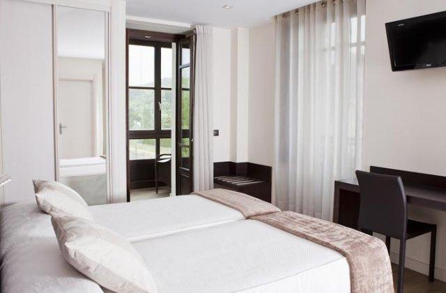 Camino de Santiago Accommodation: Hotel Villa Marrón ⭑⭑⭑
