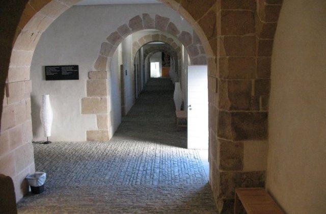 Camino de Santiago Accommodation: Refugio de Peregrinos de Roncesvalles - Itzandegia