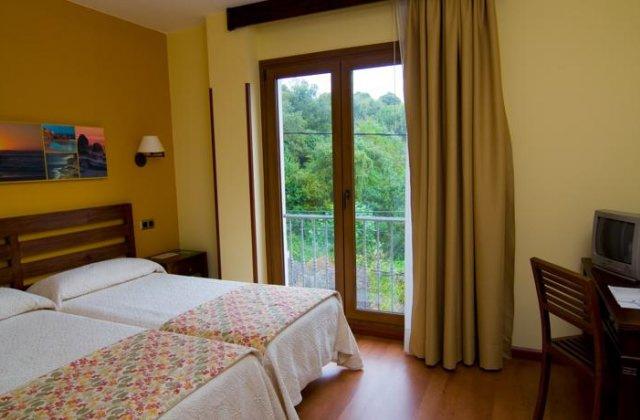Camino de Santiago Accommodation: Hotel Bufón de Arenillas ⭑⭑⭑