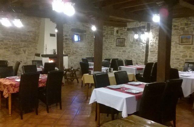 Camino de Santiago Accommodation: Posada Condado de la Mota ⭑⭑⭑