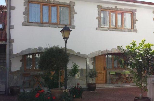 Camino de Santiago Accommodation: Hotel Cortijo ⭑⭑