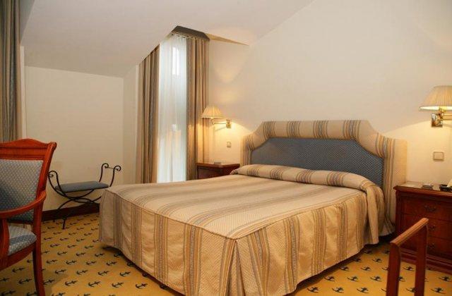 Camino de Santiago Accommodation: Hotel El Ancla ⭑⭑⭑