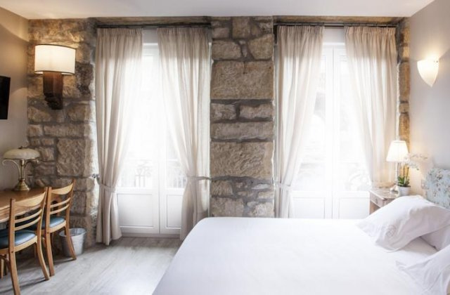 Camino de Santiago Accommodation: Hotel Alcázar ⭑⭑⭑