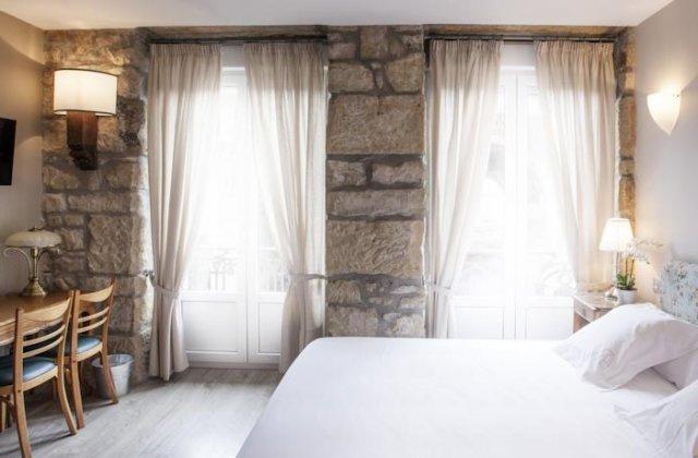 Camino de Santiago Accommodation: Okako Hotel ⭑