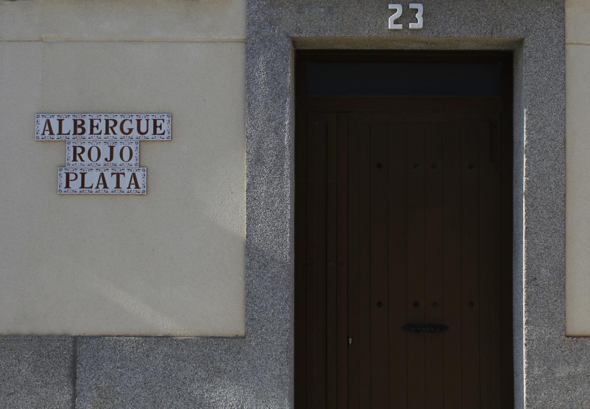 Camino de Santiago Accommodation: Albergue Rojo Plata
