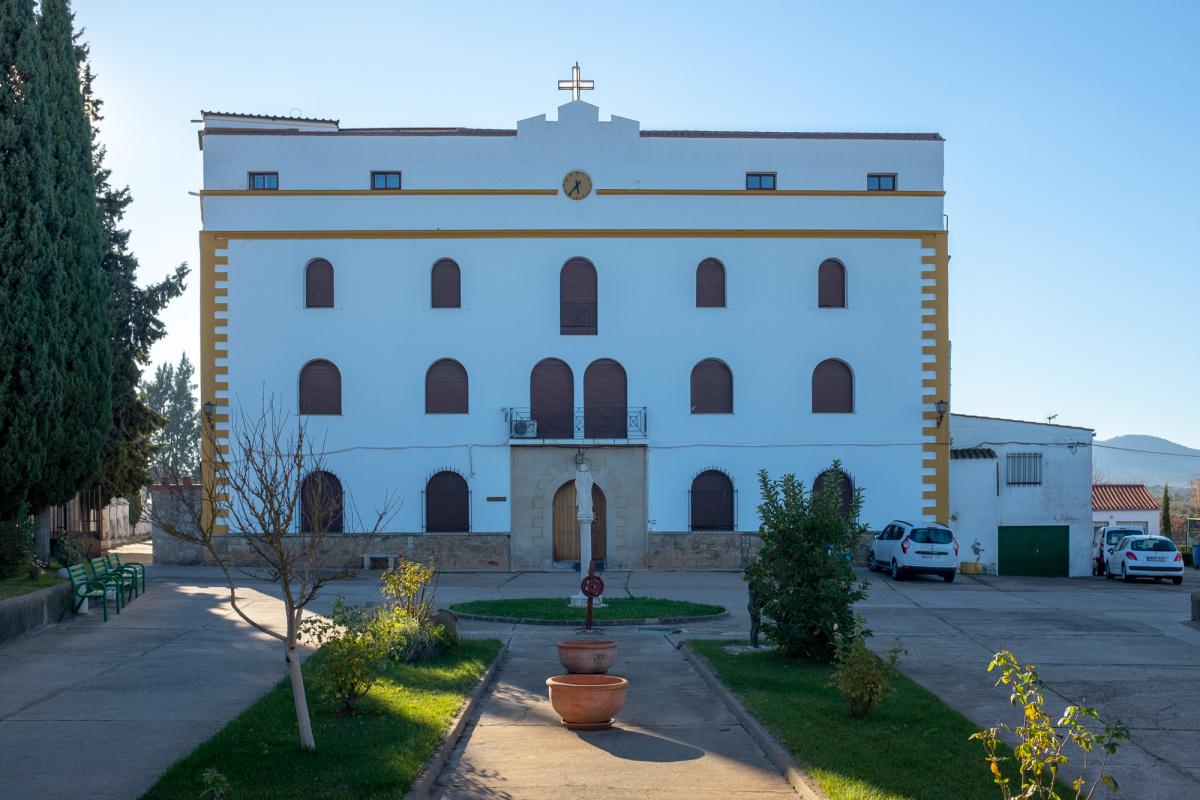 Camino de Santiago Accommodation: Casa de Beneficiencia de los Esclavos de María y de los Pobres