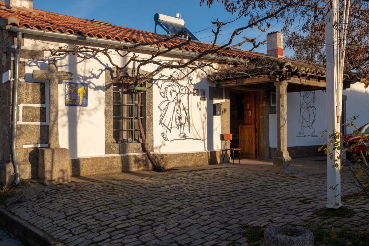 Camino de Santiago Accommodation: Albergue parroquial de Fuenterroble de Salvatierra
