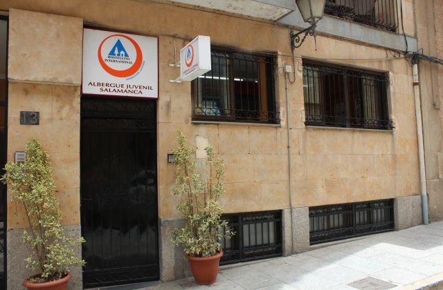Camino de Santiago Accommodation: Albergue Juvenil Salamanca