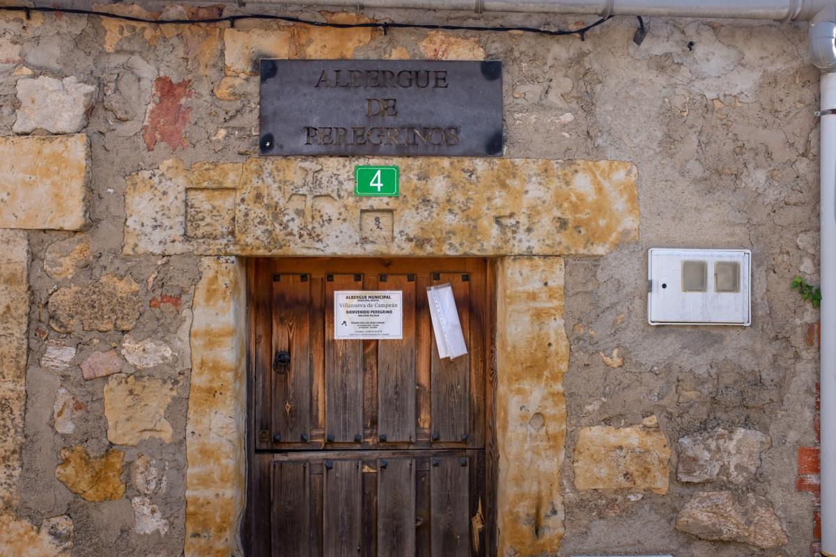 Camino de Santiago Accommodation: Albergue de peregrinos de Villanueva de Campeán