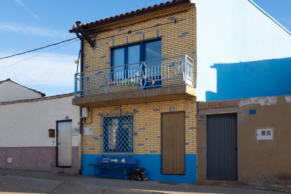 Camino de Santiago Accommodation: Acogida La Casa Azul y Amarilla