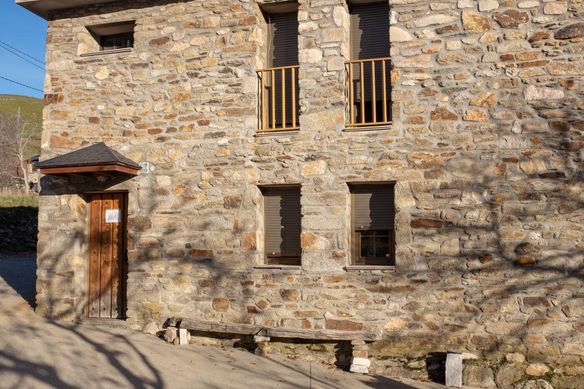 Camino de Santiago Accommodation: Albergue de Lubián