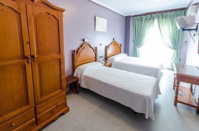 Camino de Santiago Accommodation: Hotel Lusitania ⭑⭑