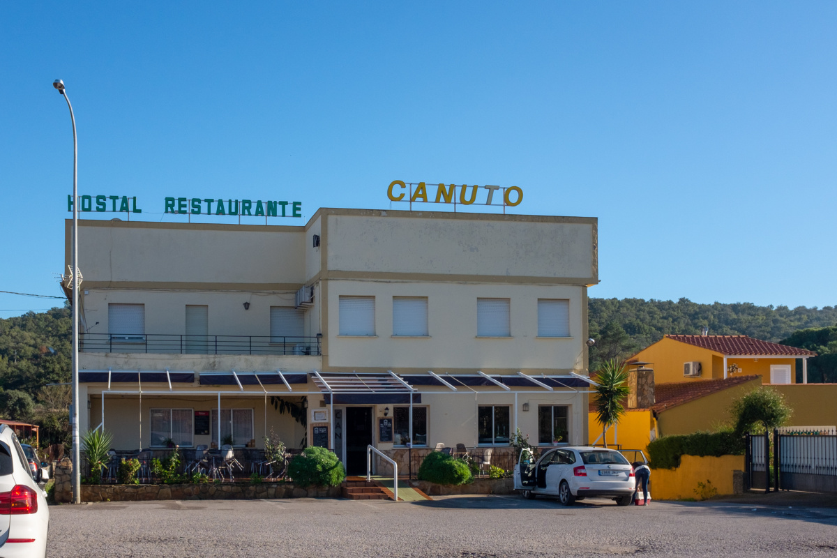 Camino de Santiago Accommodation: Hostal Canuto
