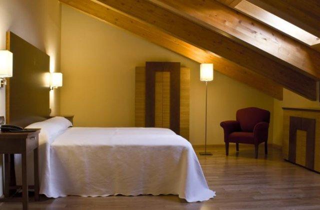 Camino de Santiago Accommodation: Hotel Casa Don Fernando ⭑⭑⭑