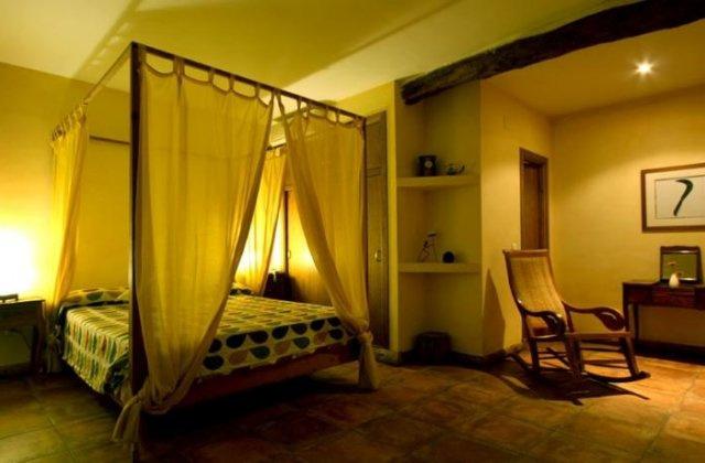 Camino de Santiago Accommodation: Hotel Rural Tresmentiras ⭑⭑⭑