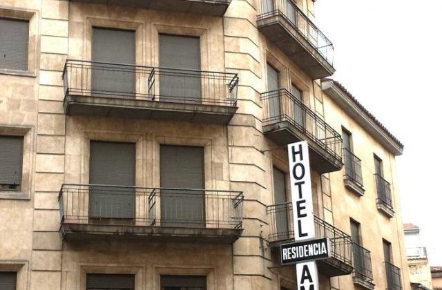 Camino de Santiago Accommodation: Hotel Amefa ⭑⭑