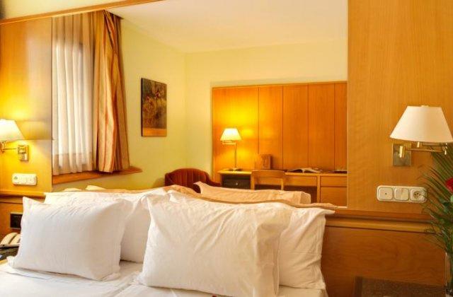 Camino de Santiago Accommodation: Hotel Silken Rona Dalba ⭑⭑⭑
