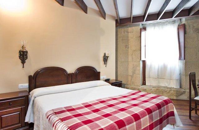 Camino de Santiago Accommodation: Hotel O Portelo Rural ⭑⭑