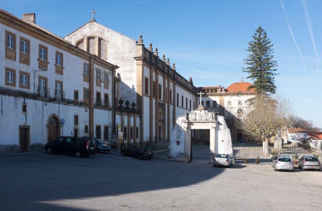 Camino de Santiago Accommodation: Albergue de Peregrinos Rainha Santa Isabel