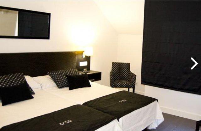 Camino de Santiago Accommodation: Hotel Room ⭑⭑