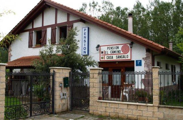 Camino de Santiago Accommodation: Pensión El Camino - Casa Sangalo