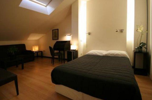Camino de Santiago Accommodation: Hotel Versus ⭑⭑⭑