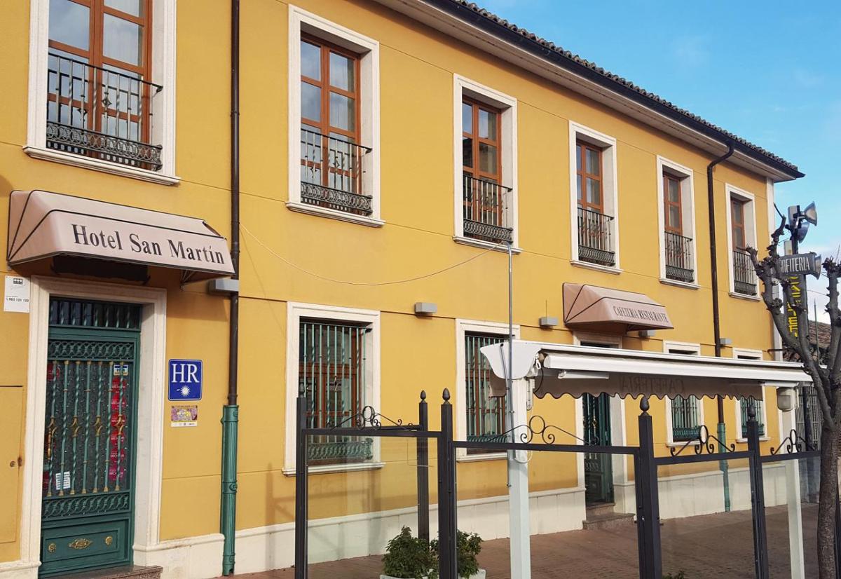 Camino de Santiago Accommodation: Hotel San Martín ⭑