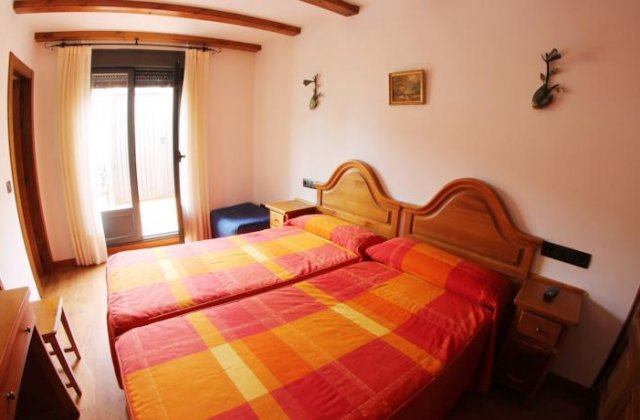 Camino de Santiago Accommodation: Hostal Alda Casco Antiguo ⭑⭑