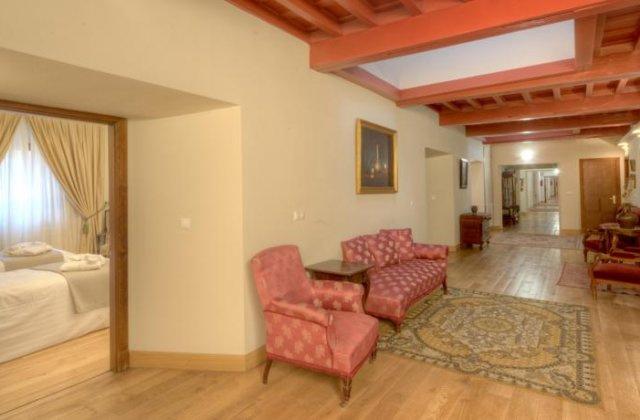 Camino de Santiago Accommodation: Hotel Real Colegiata de San Isidoro ⭑⭑⭑
