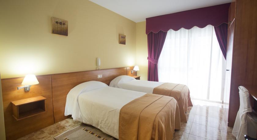 Camino de Santiago Accommodation: Hotel Carlos 96 ⭑