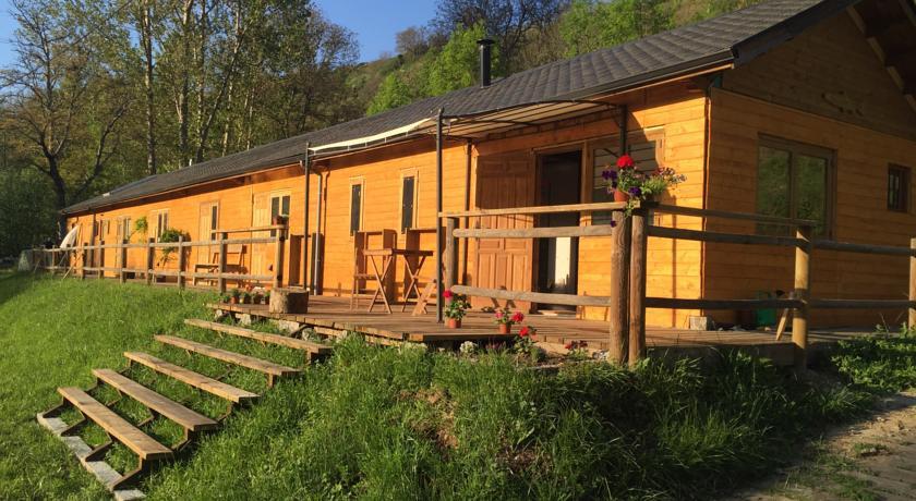 Camino de Santiago Accommodation: Albergue Casa del Pescador