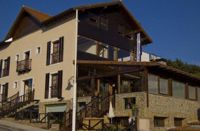 Camino de Santiago Accommodation: Hotel Agua Viva & Spa Castro ⭑⭑