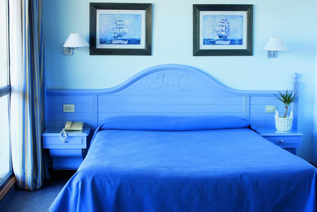 Camino de Santiago Accommodation: Hotel Juan de la Cosa ⭑⭑⭑⭑