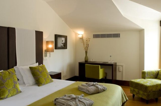 Camino de Santiago Accommodation: Hotel Lusitano ⭑⭑⭑⭑