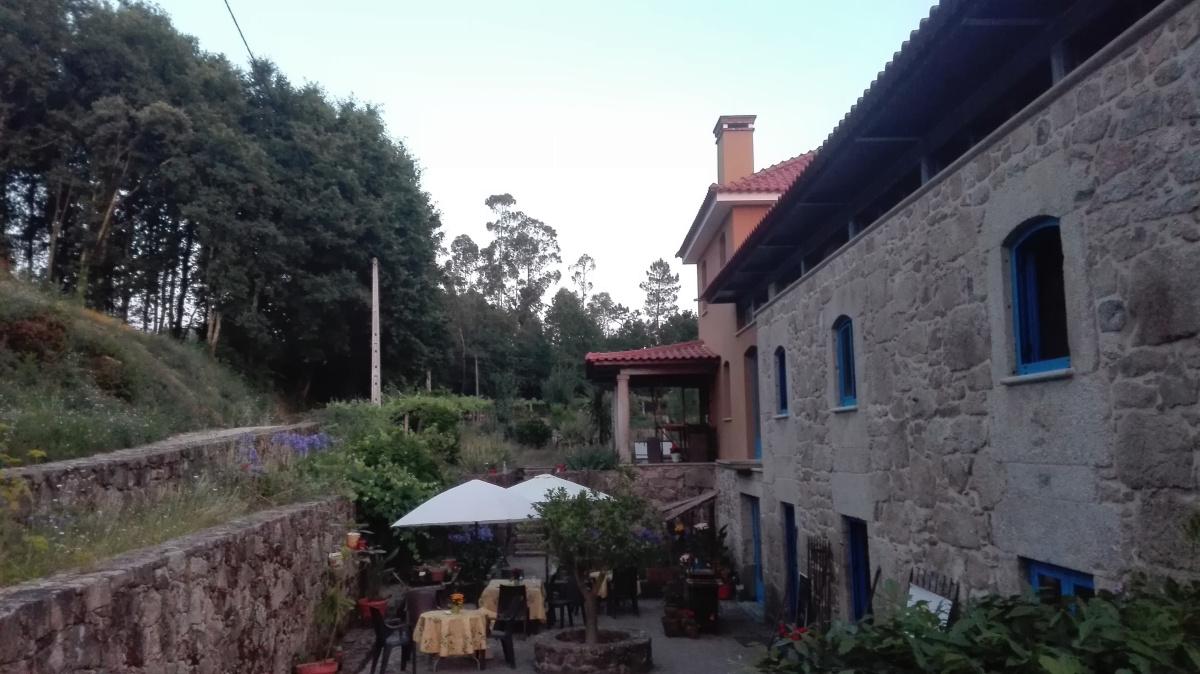 Camino de Santiago Accommodation: Albergue Quinta Estrada Romana