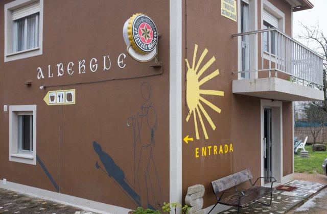 Camino de Santiago Accommodation: Albergue Catro Canos