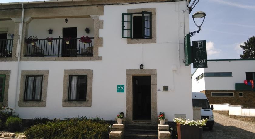 Camino de Santiago Accommodation: Pensión Mar ⭑